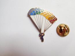 Beau Pin's En EGF , Parachutisme , Para - Paracaidismo