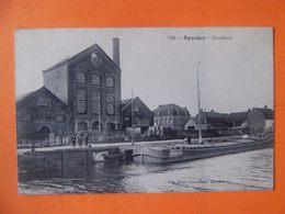Cpa  Bergues Spycker 59 Nord Distillerie Péniche - Bergues