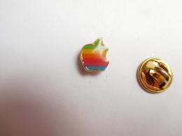 Beau Pin's , Informatique , Apple , Pomme , Signé Decat - Informatique