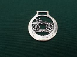 Décapsuleur Ancien En Laiton : Le Vieux Vélo - Tire-Bouchons/Décapsuleurs