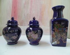Kutani Style Japanese Cobalt Three Pieces Porcelain With Fuku Stamp And Inside Marks - Otros