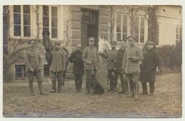Foto Photo Soldaten Gruppe Hund Pferd Pokrzywnica ? Nesselwitz ? 1915 Russisch Polen - Krieg, Militär
