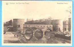 Tournai- Le Pont Des Trous Avec Bateaux-Péniche-avant La Destruction De L'arche Centrale (Guerre 1940-1945) - Tournai