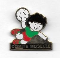 Pin's  Ville, Sport  Hand - Ball  COMITE  De  MOSELLE  ( 57 ) - Balonmano