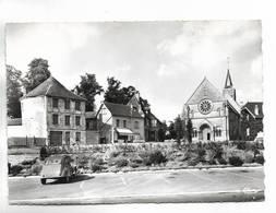 60 - TRIE-CHATEAU ( Oise ) - La Place - 2 CV Citroën - France