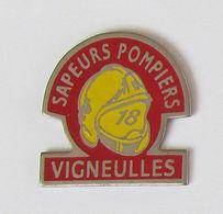 1 Pin's Sapeurs Pompiers De VIGNEULLES (Meurthe Et Moselle-54) - Pompiers