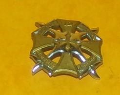 12° Régiment De Dragons, Type 3, Métal Chromé Et Doré,  FABRICANT DRAGO PARIS,HOMOLOGATION 1157, ETAT VOIR PHOTO  . POUR - Armée De Terre