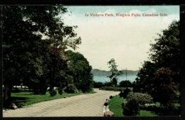 Ref 1319 - Early Canada Postcard - In Victoria Park - Niagara Falls - Niagara Falls