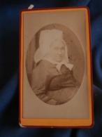 Photo CDV  Robichon à Fontenay  Portrait Femme âgée Portant Une Coiffe Régionale (Vendée)  CA 1880-85 - L456 - Photos
