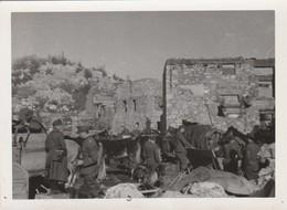 Cavalerie Allemande :  Halte Dans Les Ruines - ( Format 12,3cm X 9cm ) - Voir Au Dos Explication - War, Military