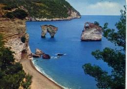 Gargano - I Faraglioni Nei Pressi Di Mattinata - Formato Grande Viaggiata – E 13 - Italia