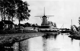 Windmolen Molen Windmill Moulin à Vent  Sloten Fr Er ? Te Identificeren   Echte Fotokaart     L 591 - Windmolens