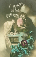 """Coppia Di Innamorati, """"è Arrivato Un Bel Maschiotto"""", Riproduzione Da Orig., Reproduction, Illustrazione, (E39) - Coppie"""