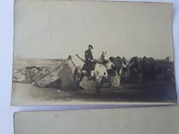 2 CPA 1912 Groupe De Militaires Dans Le Désert Avec Les Bédouins à Casablanca Au Maroc - Régiments