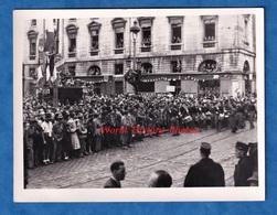 2 Photos Anciennes - BESANCON - Fête à La Libération - Cérémonie Fin 1944 Ou 1945 - Fanfare Militaire - WW2 Doubs - War, Military