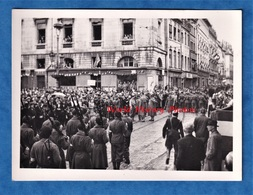 Photo Ancienne Snapshot - BESANCON - Fête à La Libération - Unité à Identifier - 1944 / 1945 - Résistance WW2 Doubs - War, Military