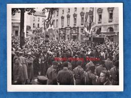 Photo Ancienne Snapshot - BESANCON - Fête à La Libération - Français & Américain MP - 1944 / 1945 - Résistance WW2 Doubs - War, Military