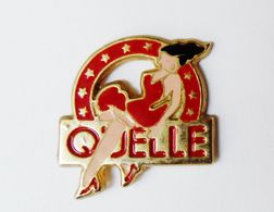 Pin's QUELLE Pin Up - RE/01 - Pin-ups