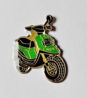 Pin's Moto Scooter MBK - RE/01 - Motos