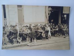 CPA 1912 Photo De Vie à La Trrasse De Café ( Royan ) - Photographs