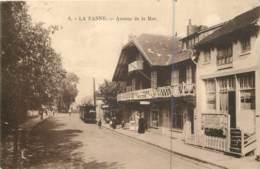 Belgique - La Panne - Avenue De La Mer + Tram - De Panne