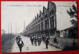 FOURCHAMBAULT Sortie Ateliers Guilliet  (Rue De La Vallee Aujourd'hui)  Animee Rare - France