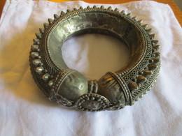 Ethiopia: Ancien Bracelet Harari Ou Yémeni En Argent - Bracelets