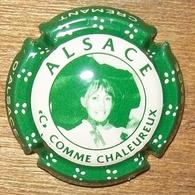 N°1051 CAPSULE DE CHAMPAGNE ET AUTRE - Mousseux