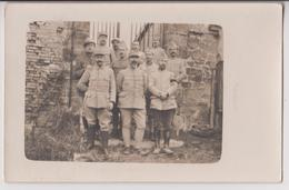 CARTE PHOTO L. AUGU SAINT SATUR (CHER) : CARTE DE VOEUX ECRITE EN 1917 - MILITAIRES DU 85ème R.I. -VOIR COLS- 2 SCANS - - Régiments