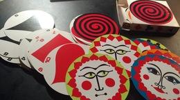 Jeu De Cartes Des Années 60. Cartes Rondes. Rare. Collector - Cartes à Jouer Classiques