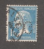 Perforé/perfin/lochung France No 179 P.G Ets Gillet Et Fils Puis Progil - Perforés