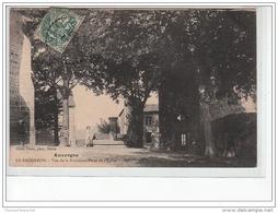 LE BRUGERON - Vue De La Fontaine, Place De L'Eglise - Très Bon état - Frankreich