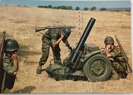 (794) Mortier In Actie - 120 Mm - Soldaten - Matériel