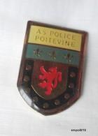Pin's AS POLICE POITEVINE - Police