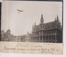 CIRCUIT EUROPÉEN BEAUMONT PASSANT DESSUS HOTEL DE VILLE BRUXELLES 18*13CM Maurice-Louis BRANGER PARÍS (1874-1950) - Aviación