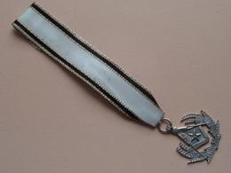 MASONIC * FREEMASONS * FONTE * VRIJMETSELARIJ Medaille (Zwart/Wit Lint > Zie / Voir Foto Voor Détail ) ! ! - Organisations