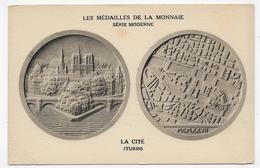 LES MEDAILLES DE LA MONNAIE - LA CITE - TURIN - PLI EN BAS A GAUCHE ET LEGER MANQUE MATIERE AU DOS - CPA NON VOYAGEE 75 - Monnaies (représentations)