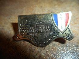 A037 -- Pin's Souvenir Francais Luneville - Militari