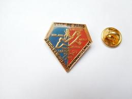 Beau Pin's , Athlétisme Course à Pied , Boucles Du 17e Arrondissement , Paris , OMS - Athlétisme