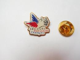 Beau Pin's , Association Secours Populaire Français - Associations