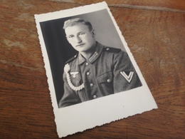 SOLDAT DEUTSCHE WEHRMACHT MIT AUSZEICHNUNG IN HOLLAND - 1 - FOTO PANDER - LEIDEN - War, Military