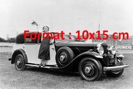 Reproduction D'une Photographie Ancienne D'une Dame Et Une Auto Delage Au Concours D'élégance Parc Des Princes 1931 - Reproductions