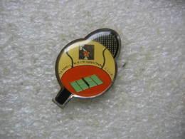 Pin's Du Tennis Niederbronn Club (Dépt 67) - Tennis