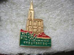 Pin's En Couleur De La Cathédrale De STRASBOURG - Non Classés