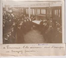 A VINCENNES INAUGURÉ UN TRAMWAY FUNÉRAIRE  18*13CM Maurice-Louis BRANGER PARÍS (1874-1950) - Trenes