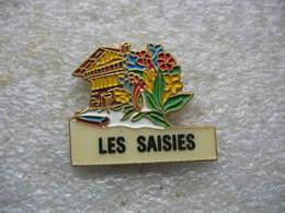 """Pin's Du Domaine """"Les Saisies"""", Village Familial Des Montagnes De Savoie - Sports D'hiver"""