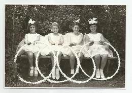 Girls With Hoops Pose For Photo Hy474-227 - Anonymous Persons