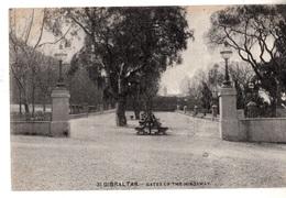 N41. Vintage Postcard. Gates Of The Kingsway. Gibraltar. (Misspelt) - Gibraltar