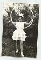 Girl With Hoop Pose For Photo Hy478-227 - Anonymous Persons