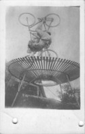 """LE CERCLE DE LA MORT"" Acrobaties Sur VÉLOS - Carte Photo 1923 - Cirque"